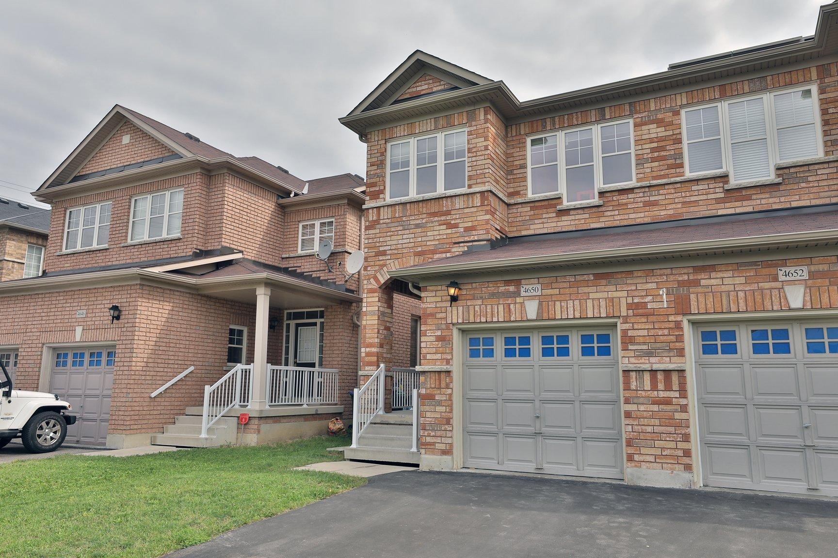 4650 Centretown Way Mississauga // $859,000